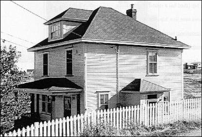 Newfoundland Folk Architecture on gambrel roof home floor plans, gable roof home designs, gambrel roof framing designs, flat roof home designs,