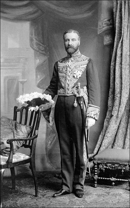 Sir Robert Bond in the uniform of the Imperial Privy Council. He was appointed Imperial Privy Councillor in 1902.