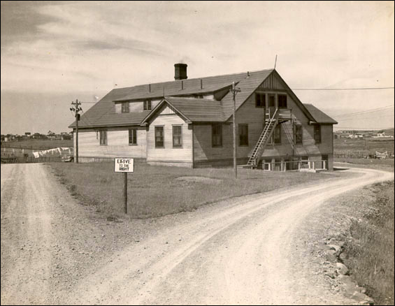 The Bonavista Cottage Hospital opened in 1940. It had 20 patient beds, two private rooms, an X-Ray machine, a nursery and an operating room.